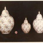 Vasi in porcellana con decalcomanie